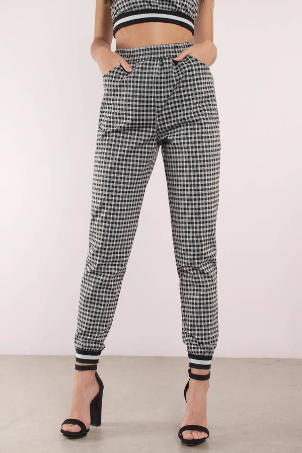 black-multi-easy-breezy-gingham-print-joggers