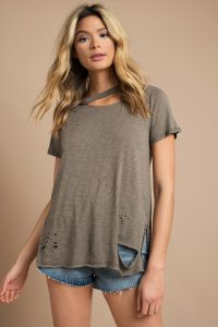 tobi.com - ashlyn slit distressed tee
