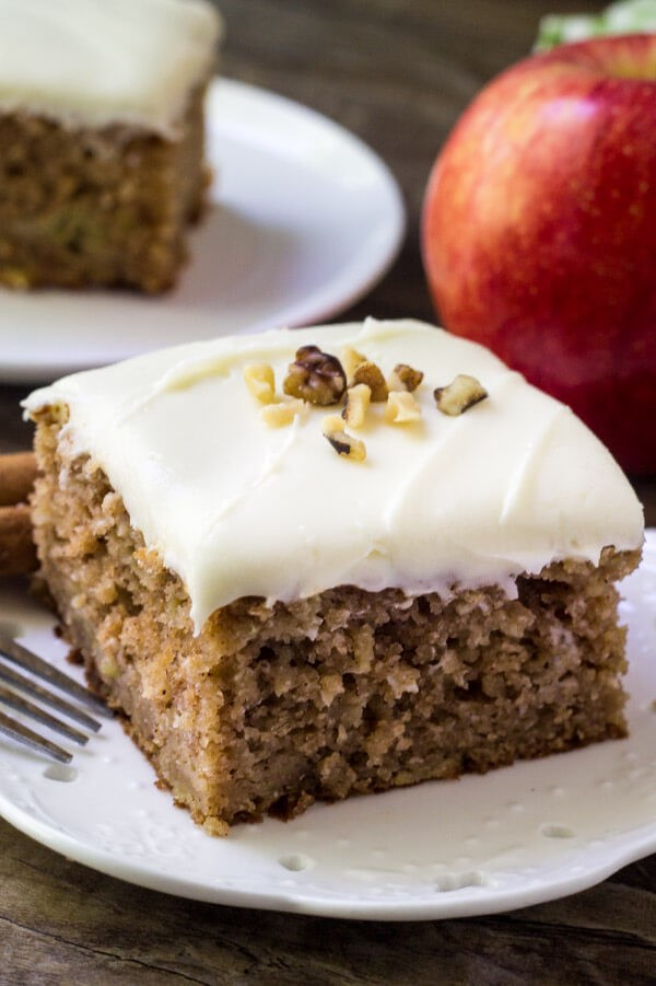 apple spice cake fall desserts