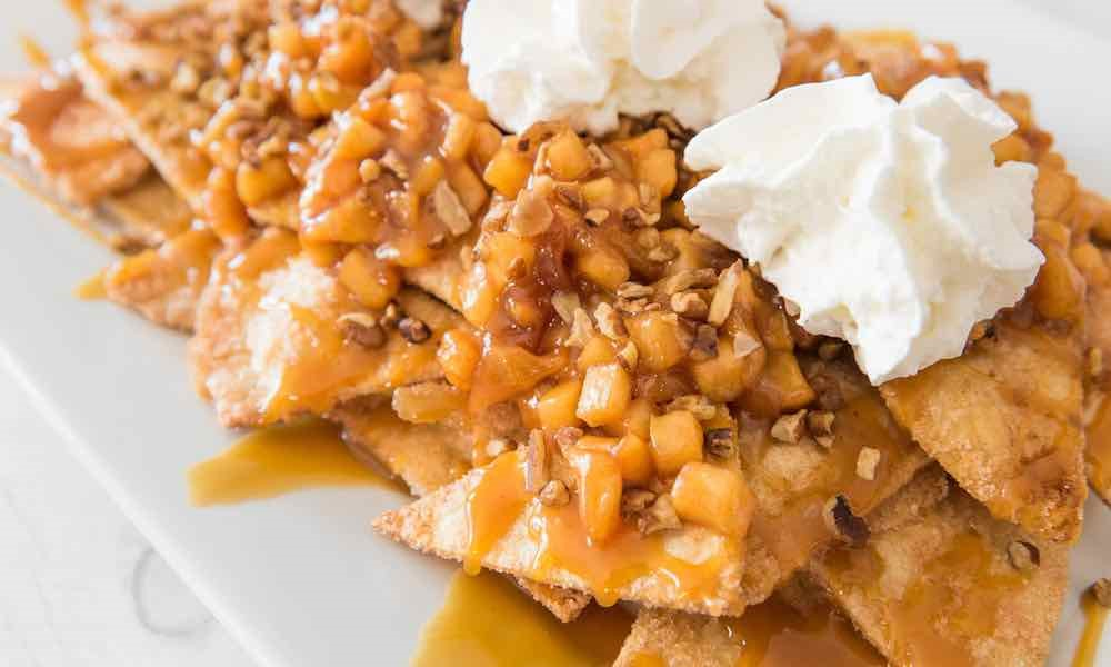 baked apple pie nachos