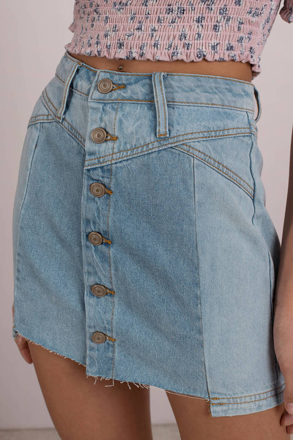 light-wash-take-a-chance-on-me-denim-skirt
