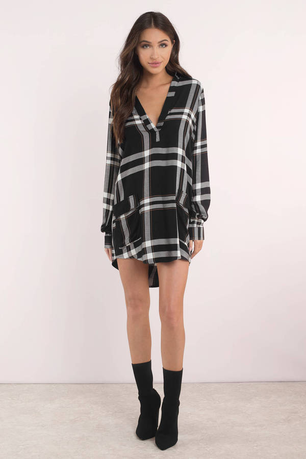 black-and-white-checkmate-plaid-shift-dress
