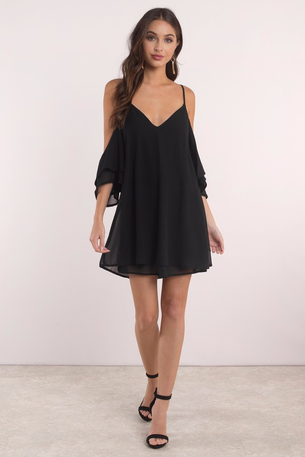 Let your heart flutter in the Borrow Love Shift Dress. A flowy, lace up dress featuring cold shoulder tiered sleeves, tiered hem, and soft v-neck with thin straps. Wistfully finished with a sweet lace up back that we're still swooning over.