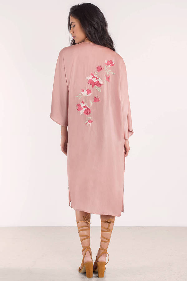 blush-beverly-satin-embroidered-kimono