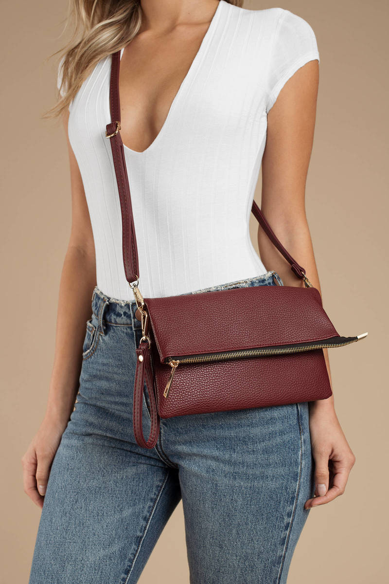 ultimate holiday gift guide adjustable crossbody bag