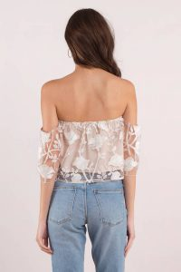 tobi.com - alanna white off shoulder crop top