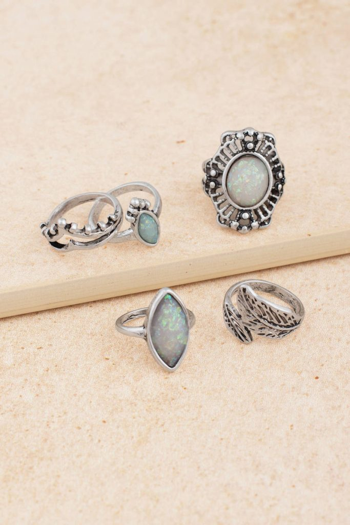 tobi.com - all jeweled up antique silver glitter ring set