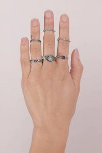 tobi.com - put a ring on it antique silver ring set