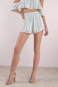 Shop the LOCKDOWN BLUE RUFFLE SHORTS at tobi.com!