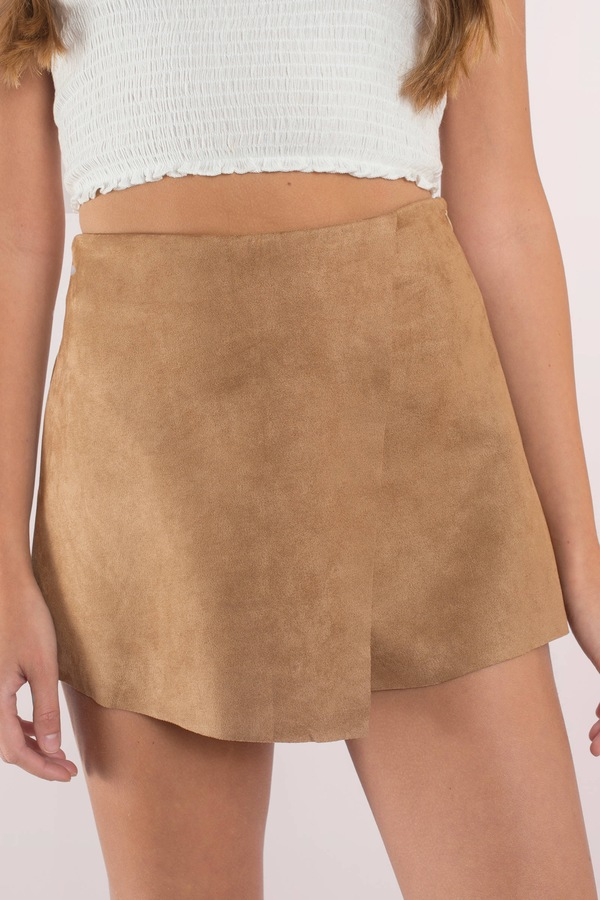 tobi-camel-let-it-burn-suede-skort