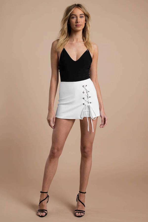 tobi-white-rebecka-lace-up-mini-skort